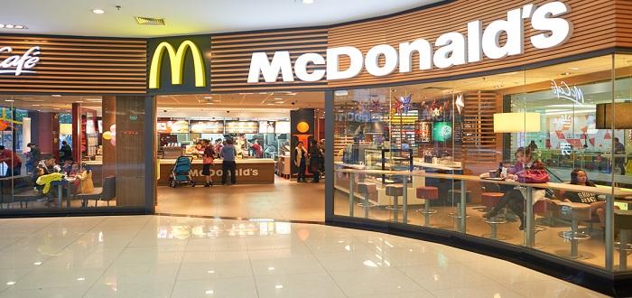 日本のマクドナルドはクレジットかーど払いが出来ない!?