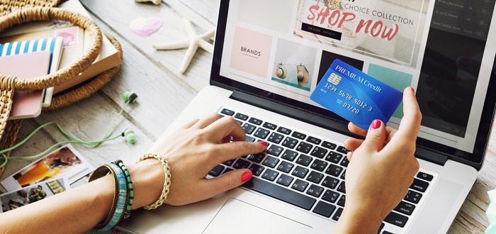お得にネットショッピングが出来るクレジットカード