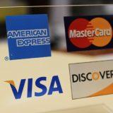 年会費のかかるクレジットカードは無料カードとなにが違うのか?