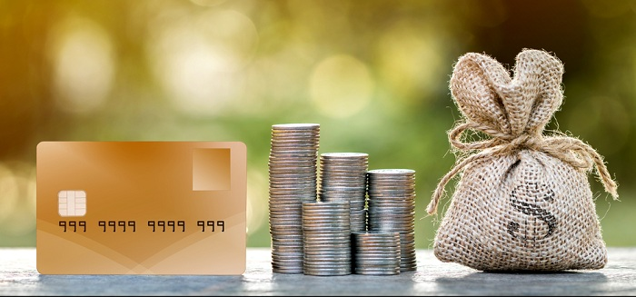 マイルを貯めるならクレジットカードの使い方を考えよう