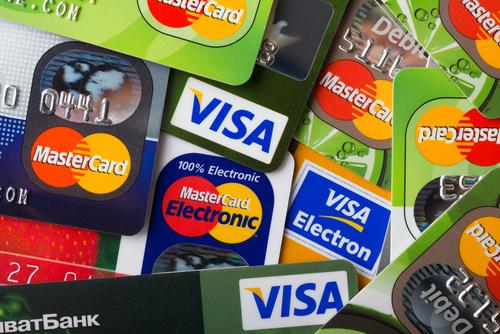 Q. 一度に大量にクレジットカードを申し込むと審査に落ちるってほんと?