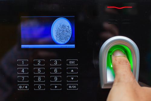 クレジットカードの審査で本人確認や在籍確認はありますか?