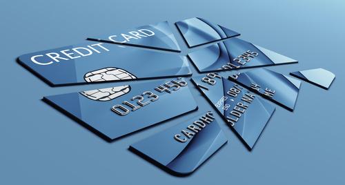 利用しているクレジットカードが破損してしまいました。どう対処すればいいでしょうか?