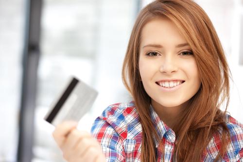 クレジットカードが届いたのですが、まだ支払い口座の登録ができていません。口座を登録しないとクレジットカードは利用できませんか?