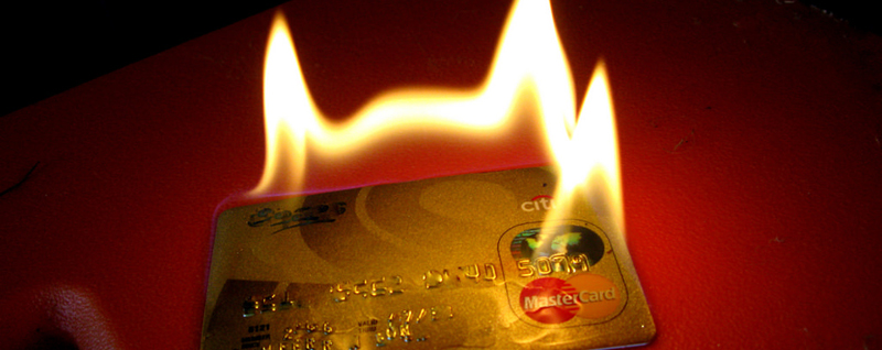 カードの上限枠ギリギリを使っていて、次の新規決済はできるのか?